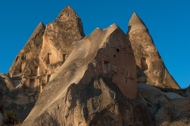 Veel rotsformaties in goreme national park in turkije