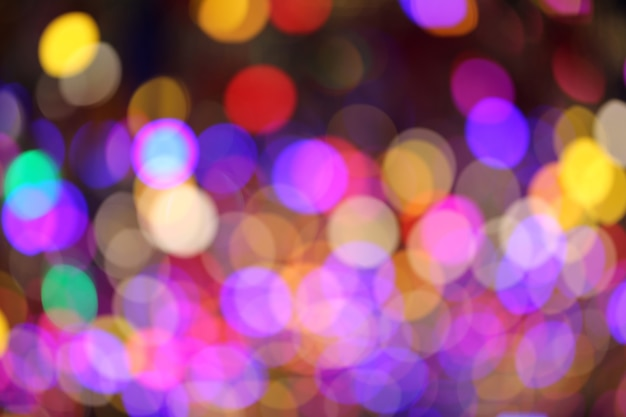 Veelkleurig bokehlicht van kerstboom.