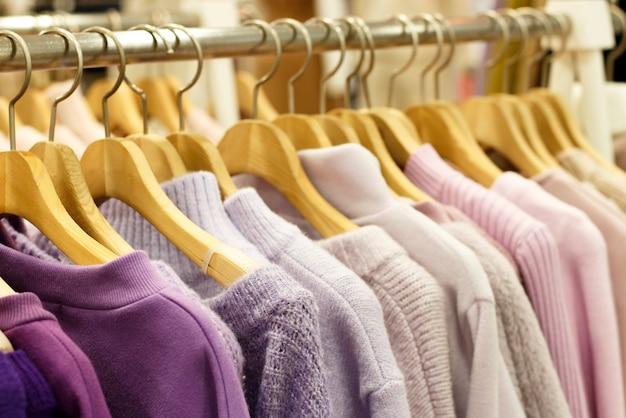 Veelkleurige gebreide truien