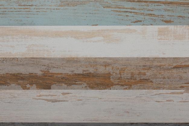 Veelkleurige gestreepte keramische tegels als vloerbedekking close-up