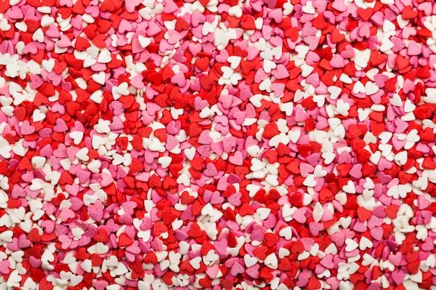 Veelkleurige harten. symbool van de liefde