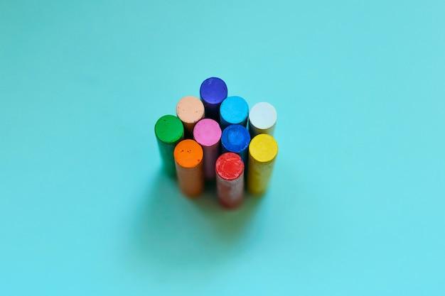 Veelkleurige krijtjes, oliepastels