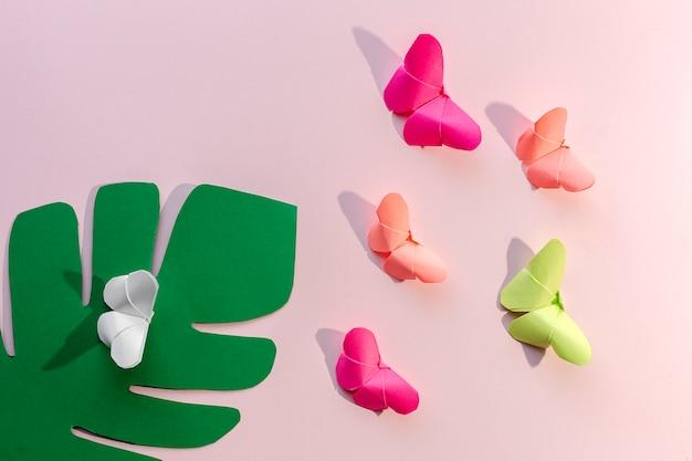 Veelkleurige origami-vlinders