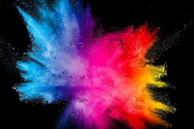 Veelkleurige poederexplosie op zwarte achtergrond