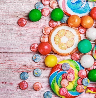Veelkleurige snoepjes en kauwgom