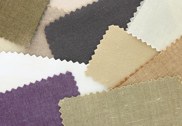 Veelkleurige stoffen textuurmonsters