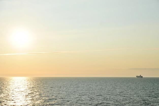 Veerboot-cruiseschip silia lijn in de buurt van stockholm