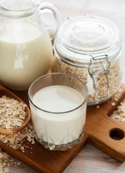 Veganistische alternatieve melk zonder zuivelproducten