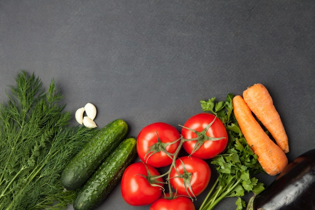 Vegetarisch eten, gezondheid of koken concept. bovenaanzicht