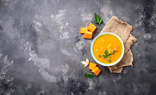 Vegetarische herfst crème crème soep
