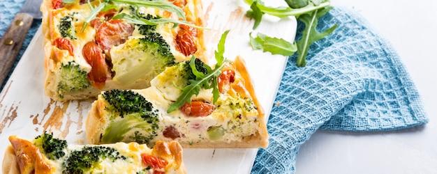 Vegetarische zelfgemaakte quiche