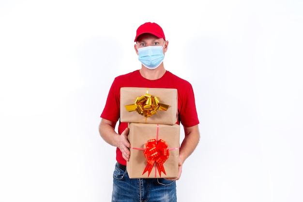 Veilige, contactloze bezorging van vakantiegeschenken op afstand tijdens een coronaviruspandemie
