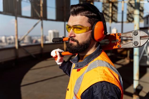 Veiligheid op het werk concept met apparatuur