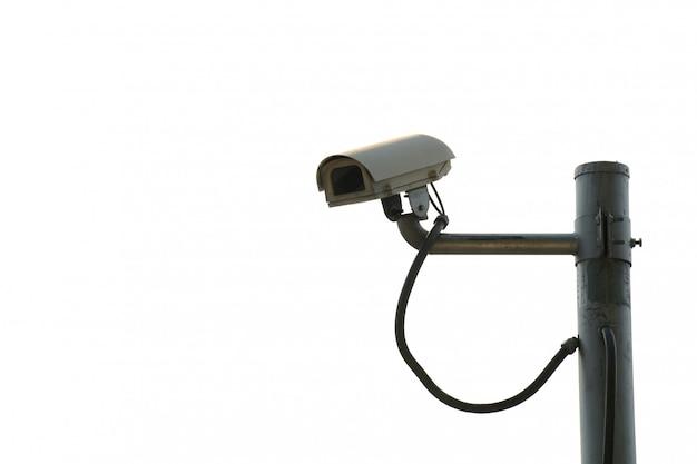 Veiligheidscctv-camera voor vervoer op witte achtergrond wordt geïsoleerd die