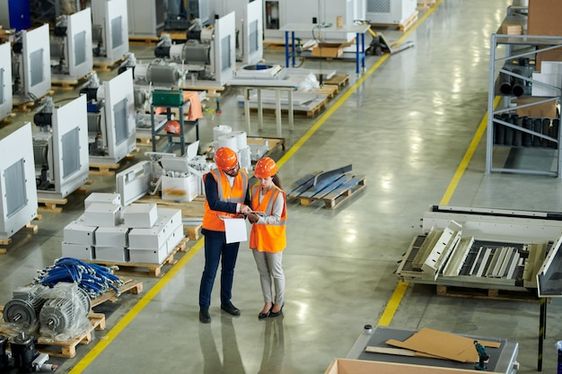 Veiligheidsinspectie in de fabriek