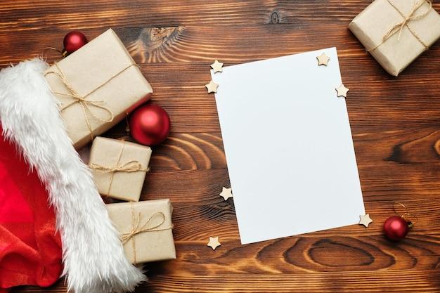 Vel papier en kerstcadeaus