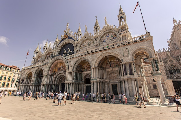 Veneti, itali 2 juli 2020: kathedraal van san marco in venetië