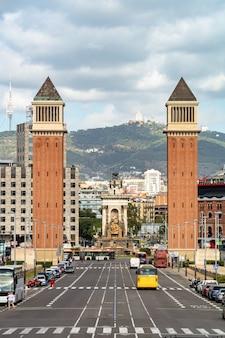 Venetiaanse torens op het plein van spanje in barcelona. spanje.
