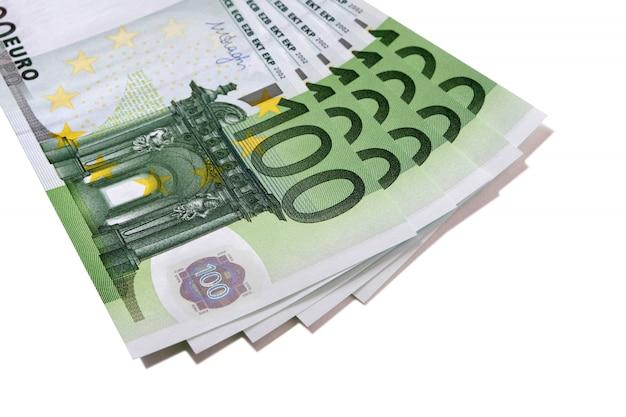 Ventilatorstapel van euro 100-bankbiljetten
