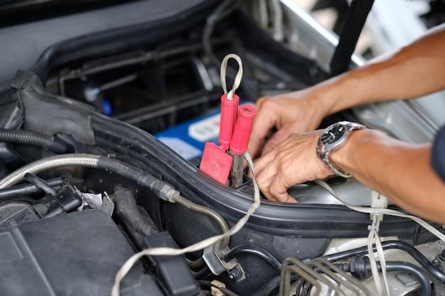 Verander de batterij van de auto