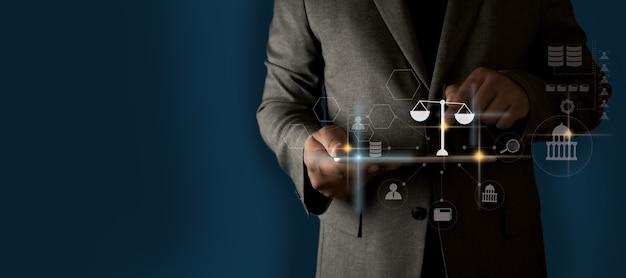 Verander uw toekomst in advies zakenman inscriptie juridisch advies online, arbeidsrecht concept