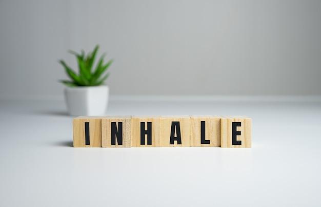 Verandert het woord inhale, longconcept.