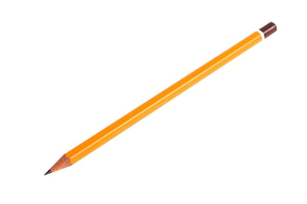 Verbazend geïsoleerd potlood op zuivere witte achtergrond.