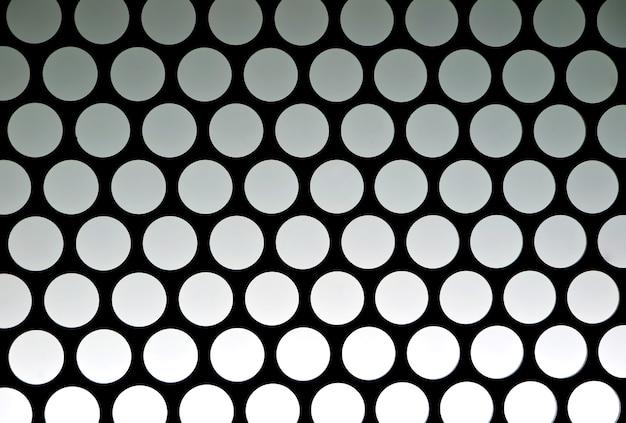 Verbazingwekkend zwart-wit geometrisch patroon van het liftplafond