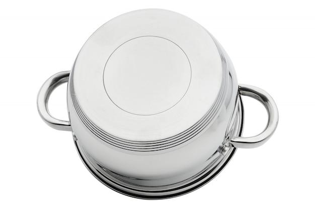 Verchroomde zilveren ijzeren pan ondersteboven isoleren op een witte achtergrond. kookgerei.