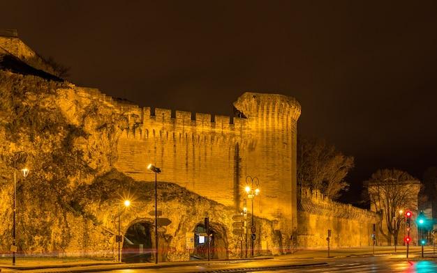 Verdedigingsmuren van avignon in frankrijk