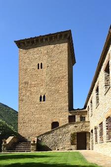 Verdedigingstoren en gevangenis van oto, provincie huesca, aragon, spanje