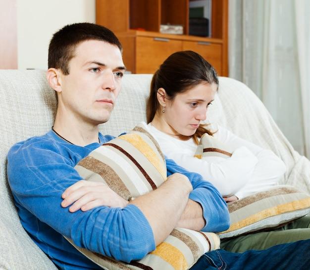 Verdriet man en ongelukkige vrouw problemen