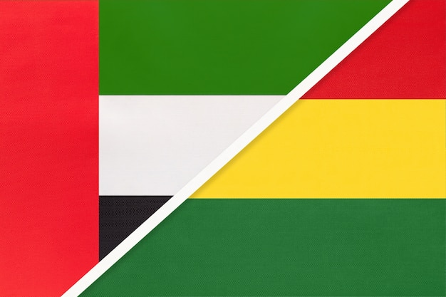 Verenigde arabische emiraten of vae en bolivia, symbool van twee nationale vlaggen van textiel.