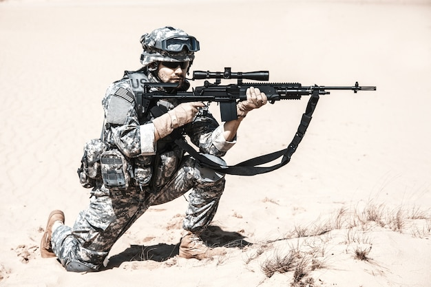 Verenigde staten paratrooper in de lucht