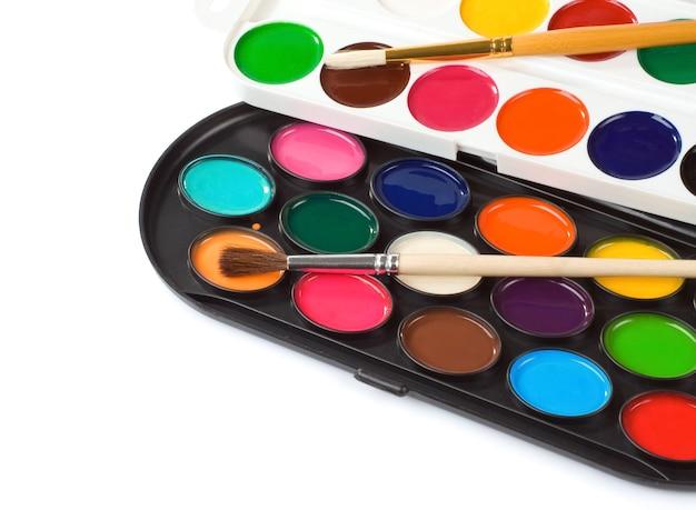 Verf penseel en schilders palet geïsoleerd
