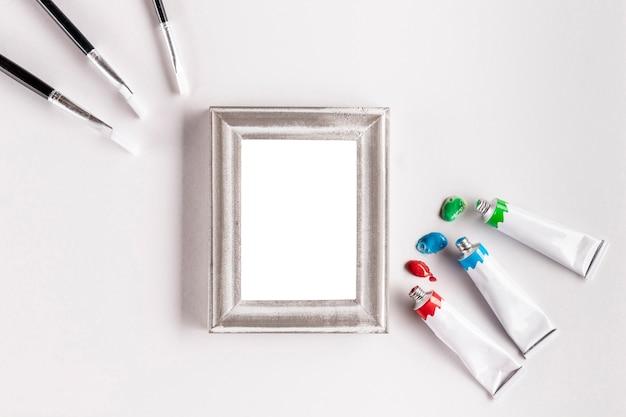 Verfbuizen en frame mock-up
