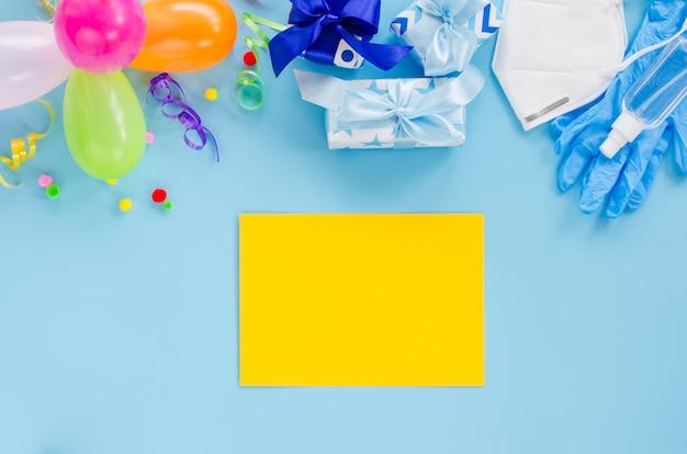 Verjaardag versiering en medische apparatuur met geel papier