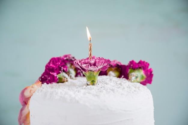 Verjaardagscake voor waterverfachtergrond