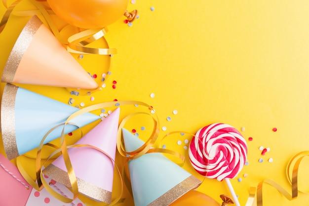 Verjaardagsfeestje achtergrond op geel