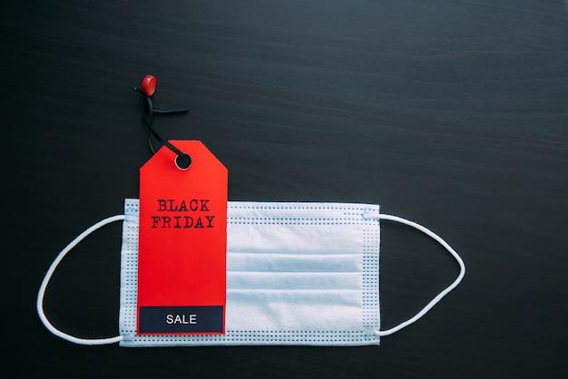 Verkoop in de context van een covid-19-pandemie. concept van veilig winkelen.