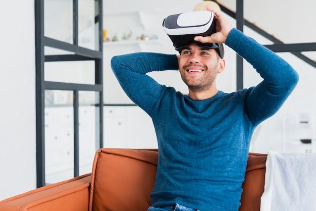 Verlaten man virtuele headset op te zetten