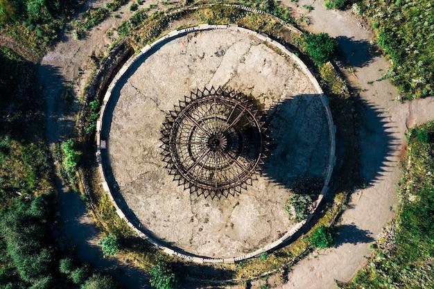 Verlaten sovjetstandbeeld in armenië