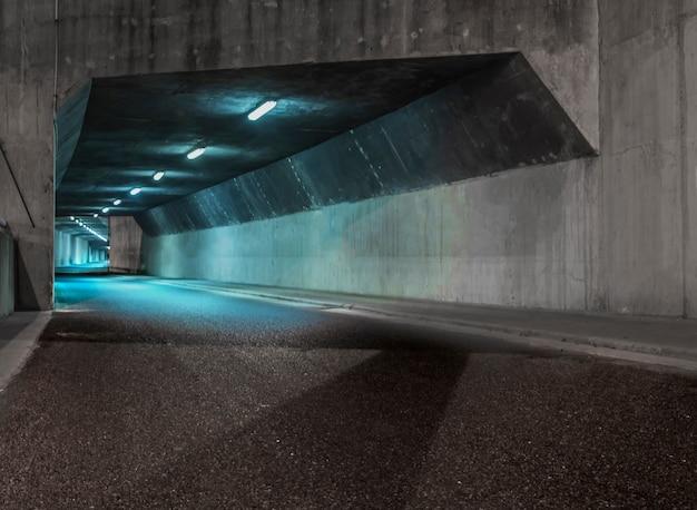 Verlichte tunnel