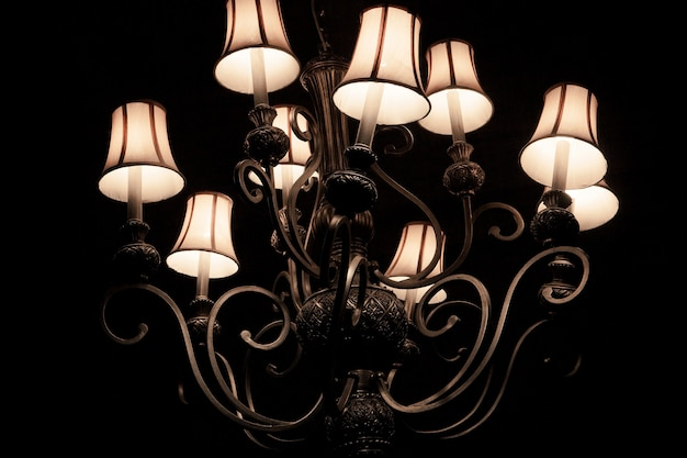 Verlichting decor, lamp, donkere tinten