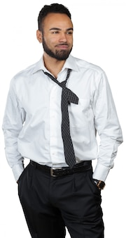 Vermoeide jonge zwarte geïsoleerde zakenman