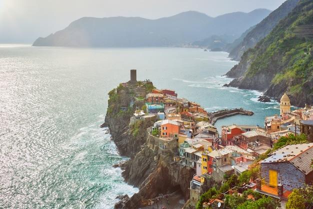 Vernazza dorp, cinque terre, ligurië, italië