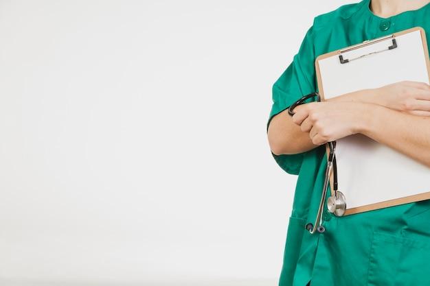 Verpleegster die checklist