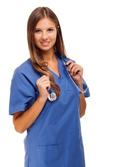 Verpleegstersportret op wit wordt geïsoleerd dat