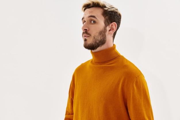 Verrast man mode kapsel voor kleding mode licht