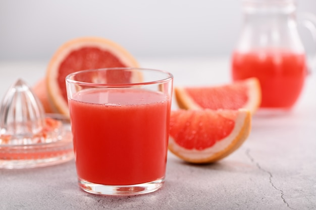 Vers bereid grapefruitsap